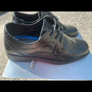 NWOT  Black Dress Shoes SZ 2 by JOSMO